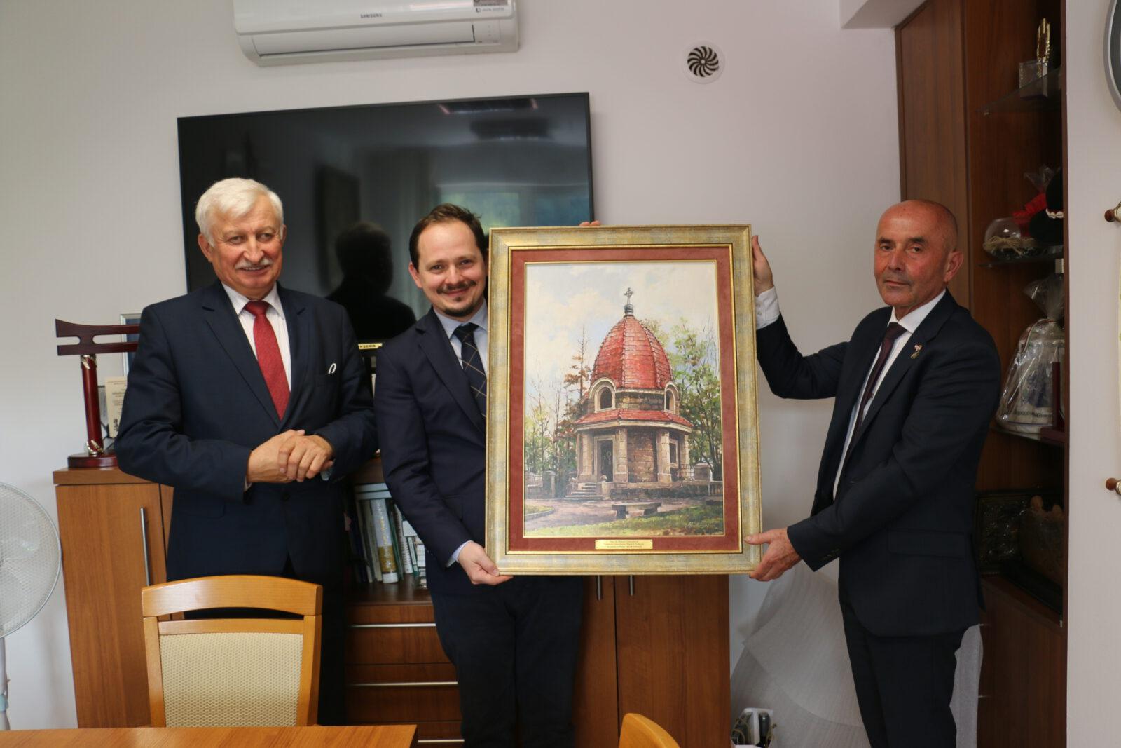 Zdjęcie z wizyty Konsula Generalnego Węgier u Burmistrza Miasta Limanowa