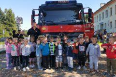 Strażacy z wizytą u przedszkolaków z Miejskiejo Przedszkola nr 1