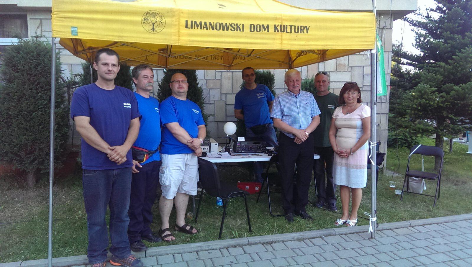 Uczestnicy oraz organizatorzy konkursu z władzami Miasta Limanowa