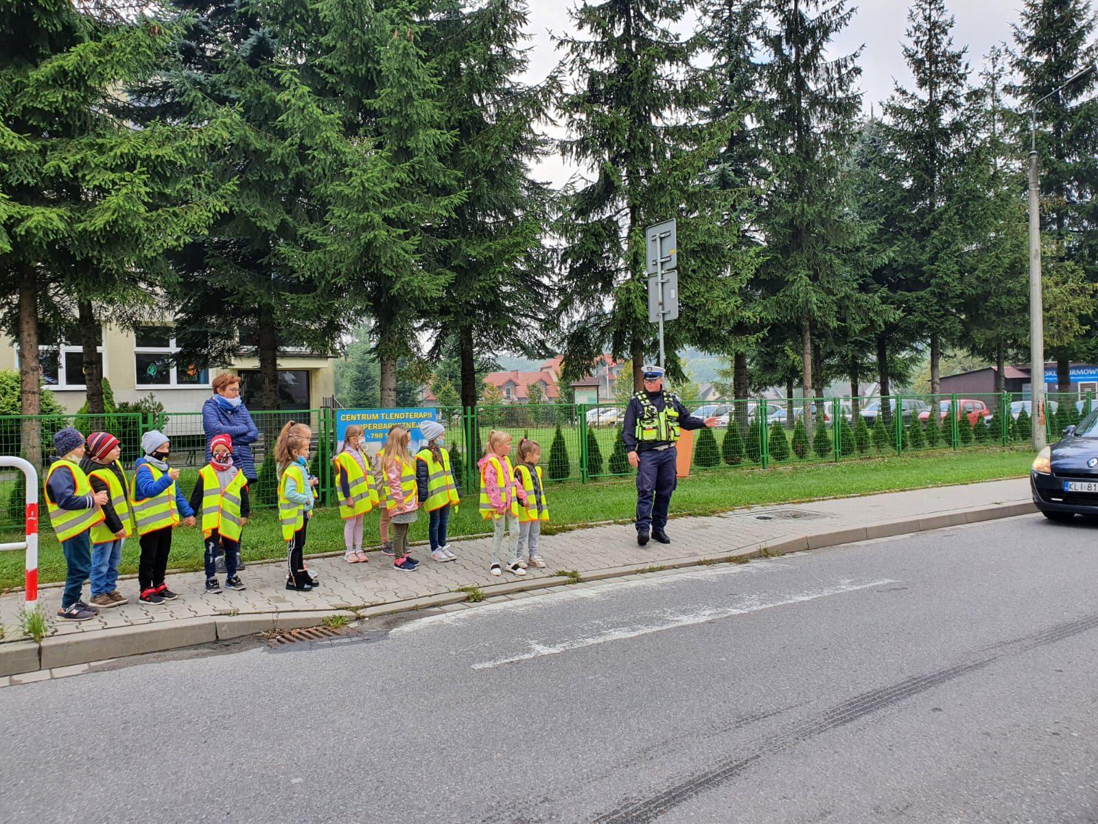 """Uczniowie ZSP nr 4 uczestnikami konkursu """"Odblaskowa szkoła"""""""